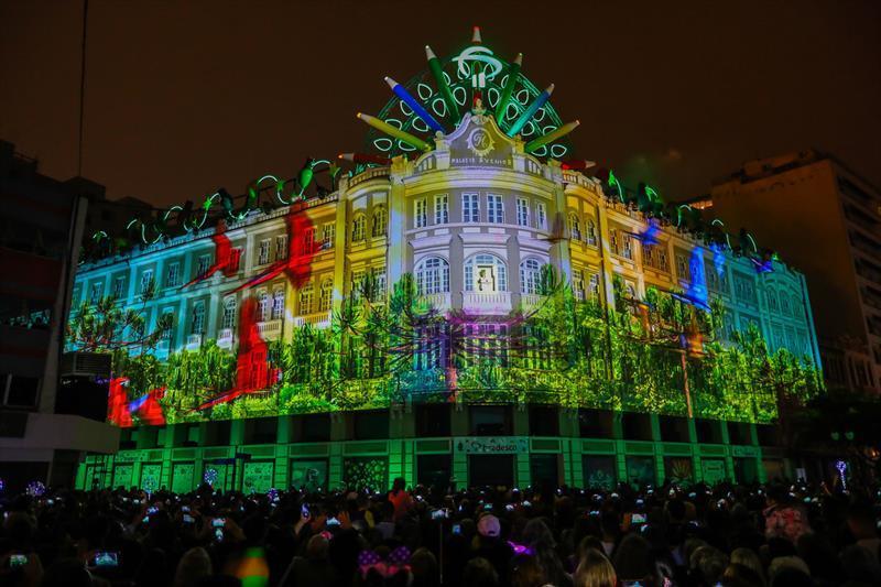 Coral de Natal do Palácio Avenida. Natal de Curitiba - Luz dos Pinhais 2019. Daniel Castellano / SMCS. Todas as imagens devem ser obrigatoriamente creditadas.