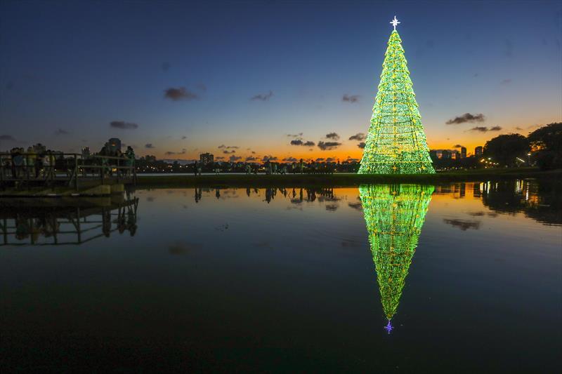 Natal de Curitiba - Luz dos Pinhais. Foto: Daniel Castellano / SMCS - Todas as imagens devem ser obrigatoriamente creditadas.